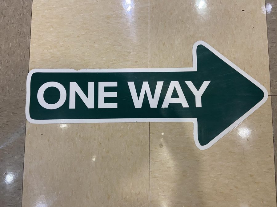 One-Way Hallways Spark Controversy In the Middle School