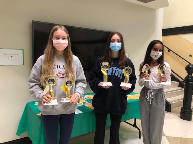 Middle School Adapts to New Science Fair Format
